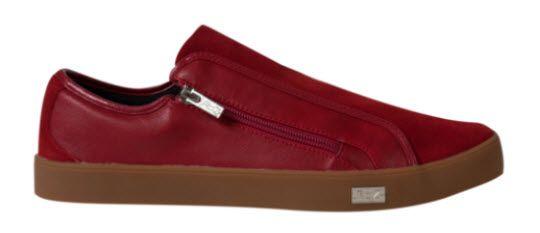 Cool Gifts for Guys: RYZ slip-on shoes | amominredhighheels.com
