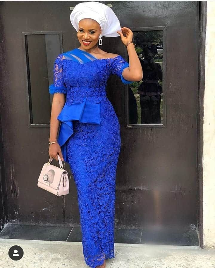 Complimentary Sleeve On Straight Gown And Pleated Side In 2020 Latest Lace Styles Lace Fashion African Fashion Dresses