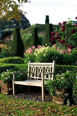 Pettifers Garden, Oxfordshire, England
