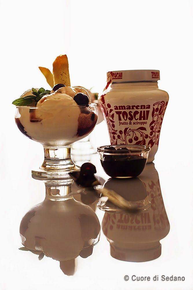 #Coppe #cremose di #gelato allo #yogurt e #Amarena #CuorediSedano