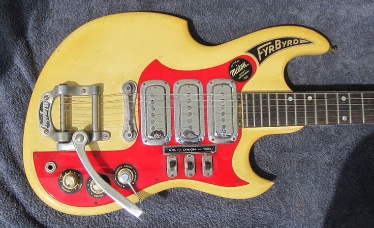 Guitar Blog: 1962/63 Australian-made Maton FyrByrd on eBay UK - but get in quick if you want it...