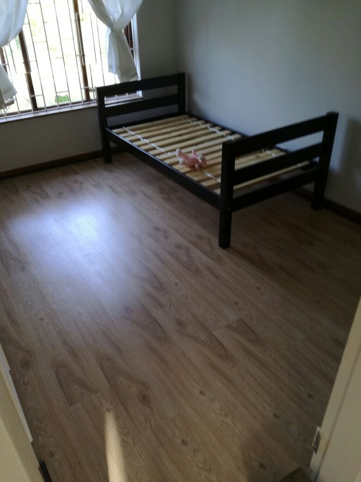Loft Oak laminate flooring - 8 mm