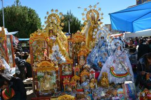 Religious statues of the Virgin of Copacaban