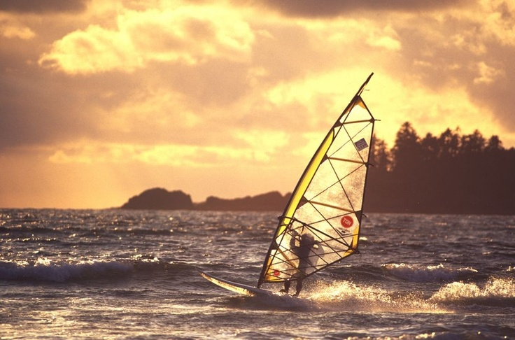 Whether you prefer open ocean, calm lake, or quiet inlet, Tofino is a great place for wind surfing.