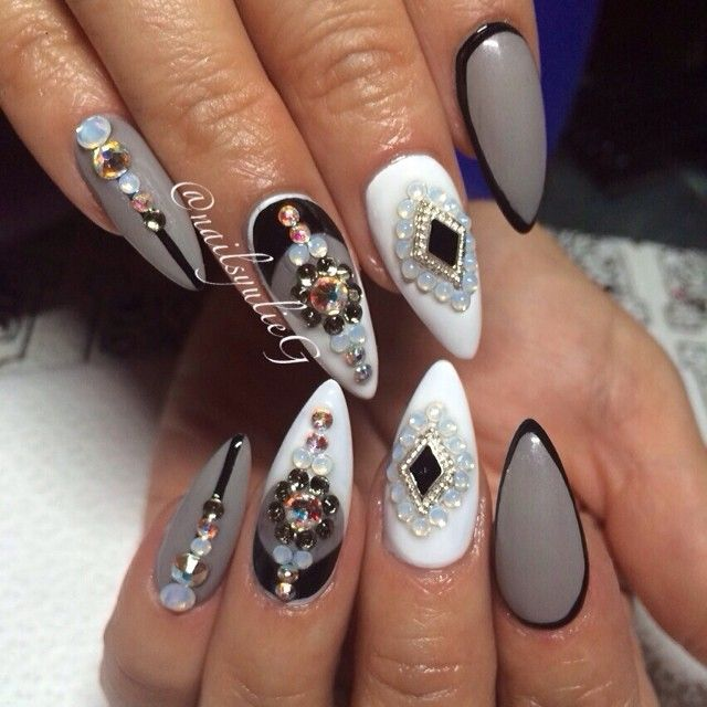 White and Gray Bling Stiletto Nail Art @nailsyulieg LOVE!!