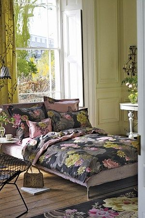 A grand print of dramatic Rococo swirls overlaid with delicately coloured floral bunches on a luxury printed cotton sateen. Complimented by a simply stunning softly coloured coordinating reverse.