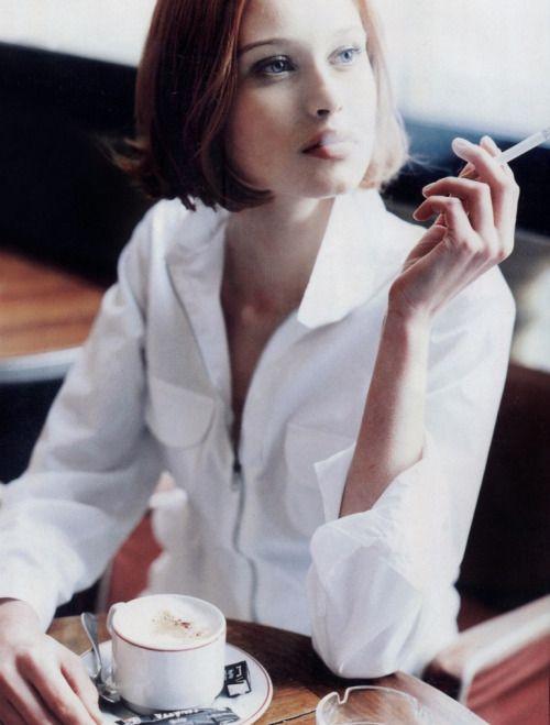 17 best images about salon de the elegant on pinterest for Call girl salon de provence