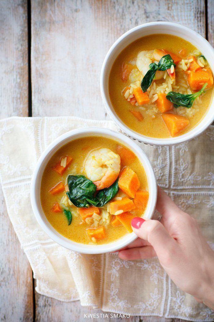 Zupa curry z batatami, krewetkami i ryżem