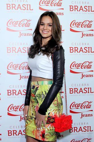 Bruna Marquezine e Isabelle Drummond desfilam no Fashion Rio | Cabide Fashion - Yahoo Mulher. ´´Desfile Coca-Cola Jeans´´.