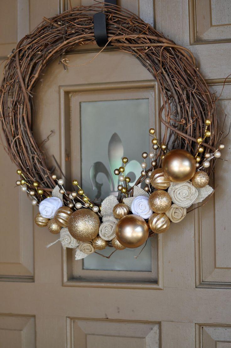18in. Outdoor Christmas Decor Wreath. $36.00, via Etsy.