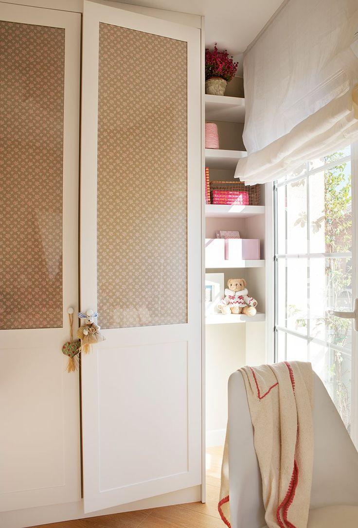 buena idea, cambiar las puertas y poner vidrio, y forrarlo con tela, nice