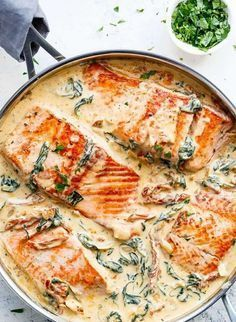 Recipe for salmon in creamy cream sauce with spinach, sun-dried tomatoes and …   – Rezepte