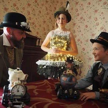 #Steampunk #teapotracing #victoriana #vintage #beards