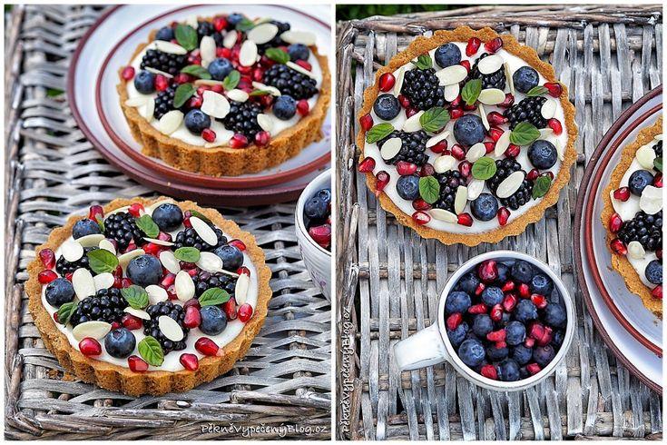 Tartaletky s domácím pudingem a ovocem (web)