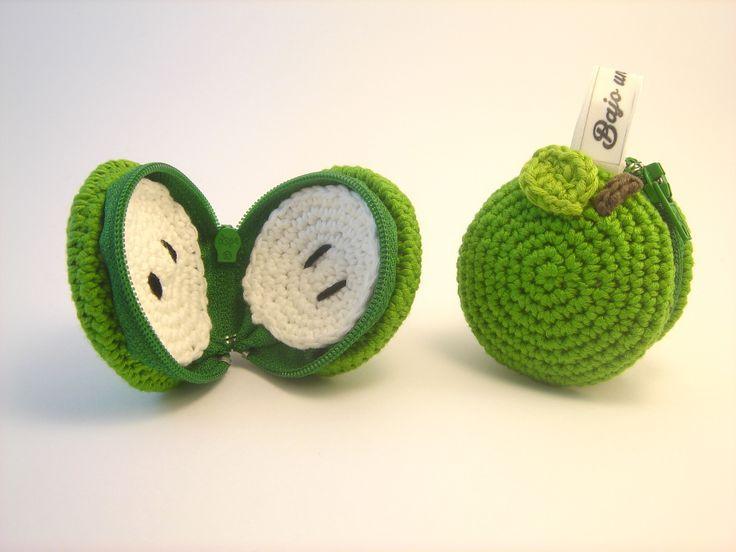 Monedero manzana verde hecho con algodón Natura de DMC Bajo una seta #macaron…