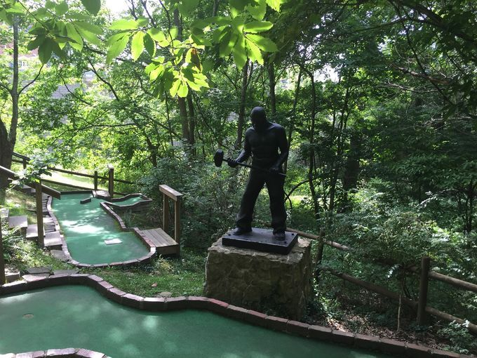What do the Hatfields & McCoys, John Henry and the Civil War have in common? They're all featured along the 18-hole Mountain State Miniature Golf Course in Beckley, W.V.  Visit Southern WV