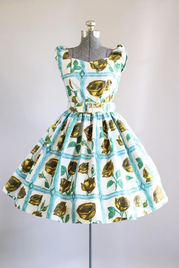 Vintage 1950s Dress / 50s Cotton Dress / Trutex Turquoise Rose Print Dress w/ Original Waist Belt S