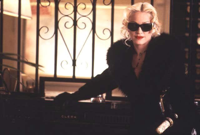 Four Rooms - Mad-Eyes - Madonna movie actrice, witch Elspeth