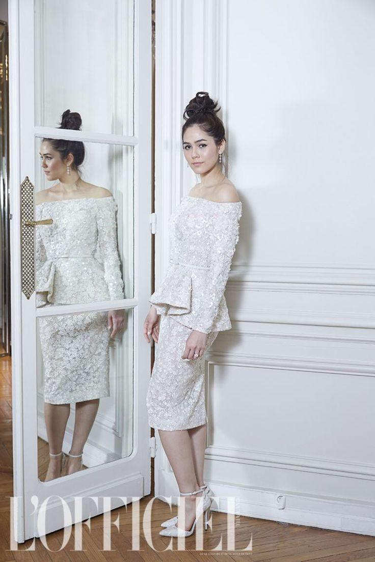 Chompoo Araya's wedding Wedding dress : ELIE SAAB Photo ...
