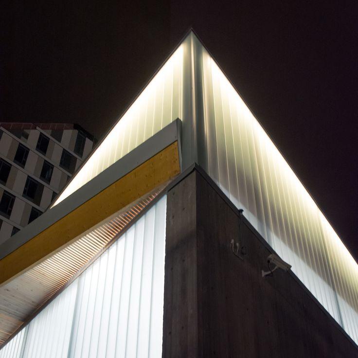 Architectural construction detail of steel wood and glass for Norway´s bicycle hotel. / Arkitektonisk byggedetaljer av ståltre og glass til Norges sykkelhotell.