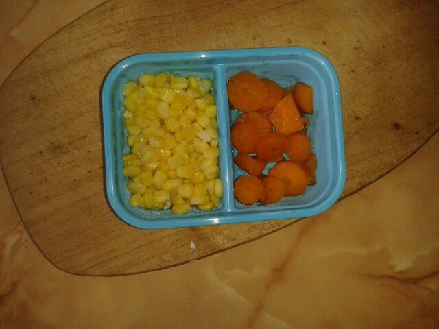 Sweetcorn and carrots for lunch