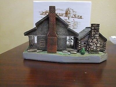Henry Whitehead Cabin The Cades Cove Series - National Heritage Gallery Miniature Masterpieces Individually Hand Cast and Hand Painted in Tennessee In Good Condition, Has Original Box, Felt on the bo
