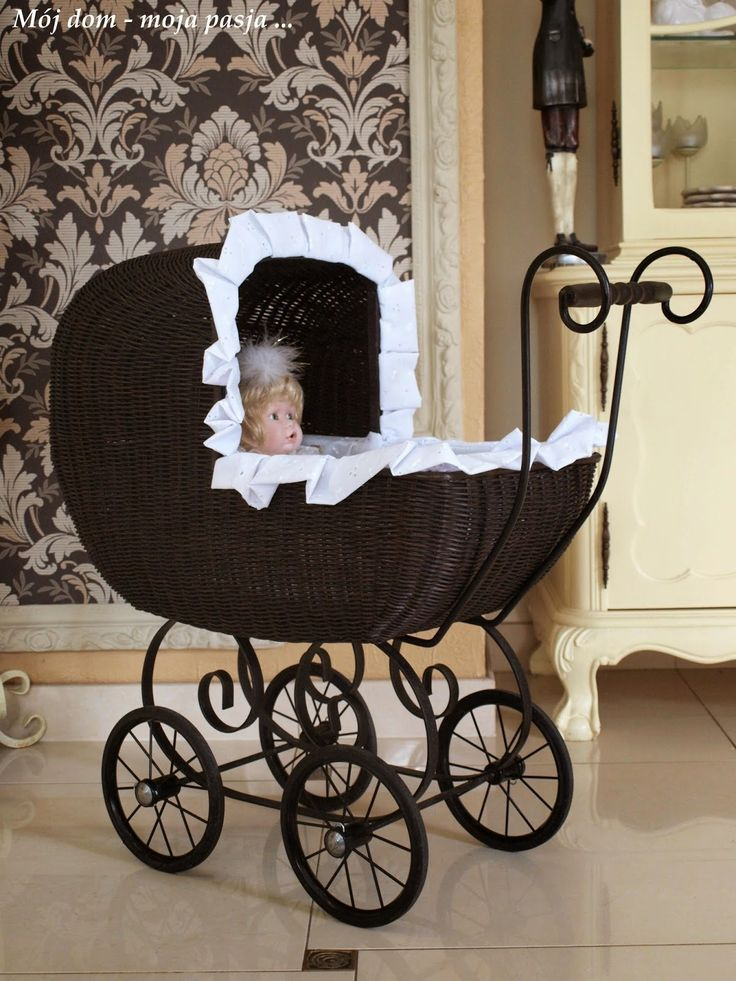 retro pram, doll, vintage, renovation, girl room