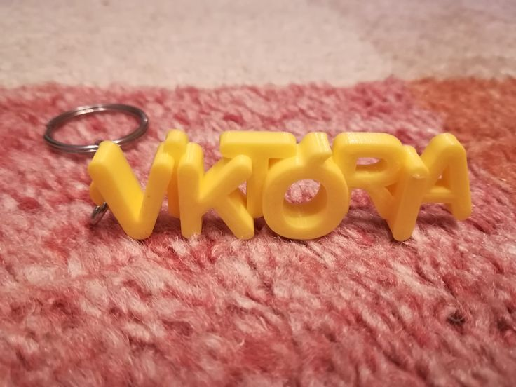 3D printed letters keychain for Victoria. Unique gift idea for birthday. #3dprints #3dprinted #keychain #keyring #kulcstartó #victoria