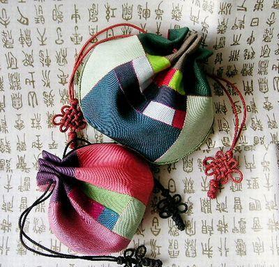 韓国のパッチワーク、ポジャギを中心とした制作記録。 カテゴリ別にご覧ください。本家Yangja-pang http://sun.ap.teacup.com/yanja/へもどうぞ!    なお、yacintaとyangjaは同一人物です。