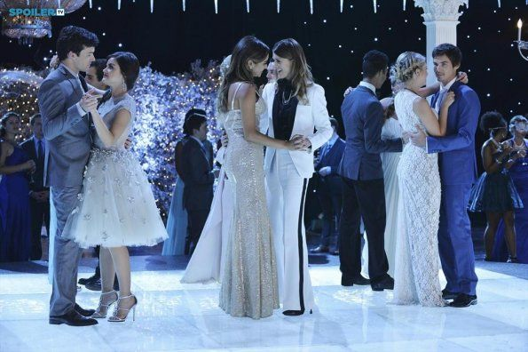 Pretty Little Liars | Season 5 | Promotional Episode Photos | Episode 5.13 - How the A Stole Christmas