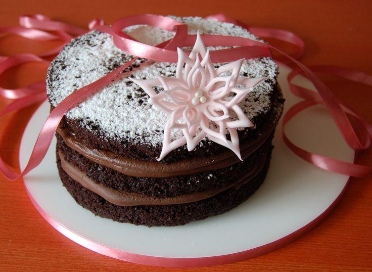 naked cake with ganache filling