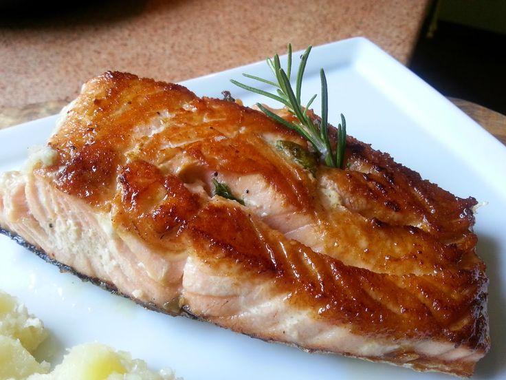 Veloce, veloce... SALMONE E PATATE 3 pezzi di salmone da circa 200 g l'uno olio evo sale marino integrale rosmarino...