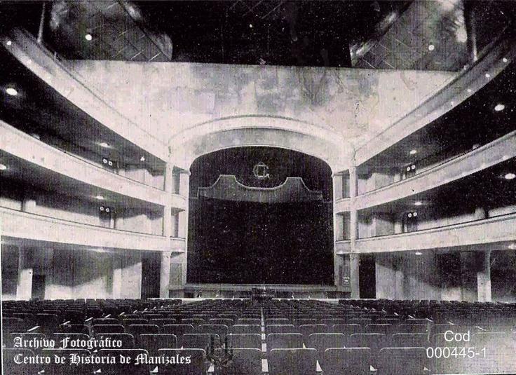 Teatro Olympia, escenario y telón de boca, 1930.