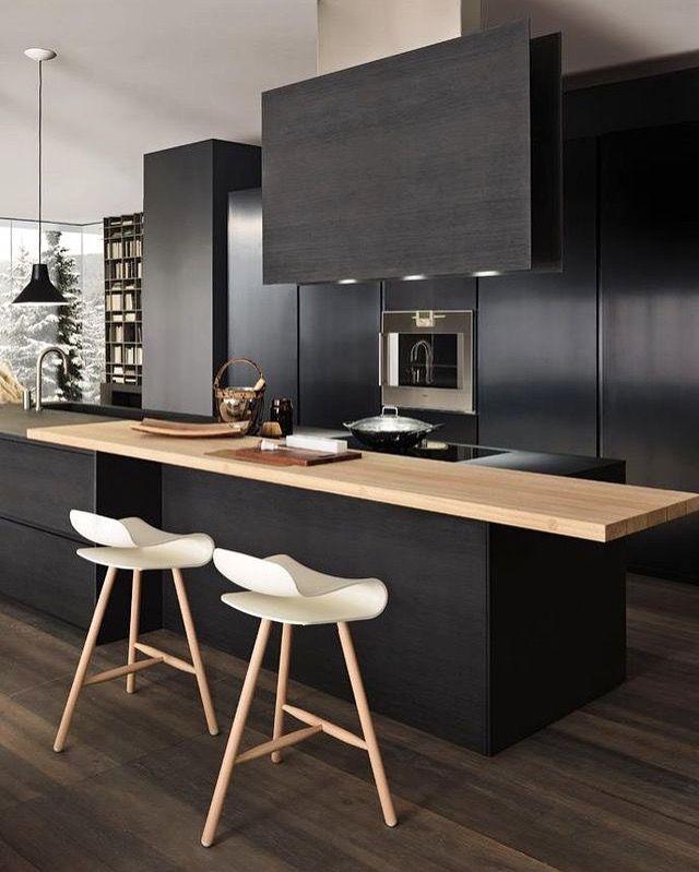 A stunning black kitchen designed by Modulnova