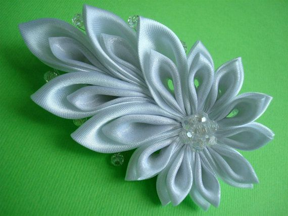 {{{{LOOK PATRICIA}}}} Comet  White Bridal Kanzashi Hair Clip  Free Shipping to by Ivanna, $30.00