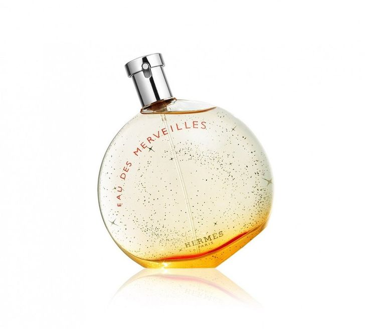 Eau des Merveilles  Eau des Merveilles: from surprise to magic and from magic to enchantment, Eau des Merveilles wraps us around its finger on a cloud of fancy. Imagined with an amber woody chord that rings up to the top notes.