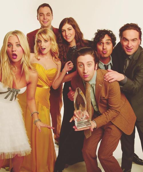 (L-R) Penny, Bernadette, Sheldon, Amy, Howard, Raj and Leonard