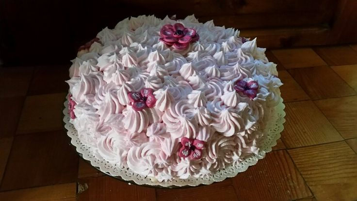 Buttercream covered cake
