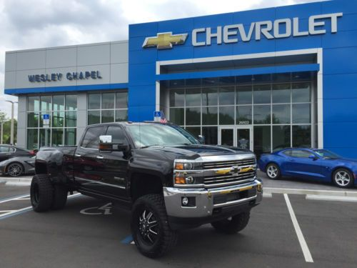 "2015 Chevy 3500HD Dually 6.6L TurboDiesel Duramax, only 7k miles, with TONS of upgrade: - FABTECH 6"" Lift Kit  - Air Lift Air Bag Leveling System - Fuel Maverick D538 20x10 8-Lug Wheels - Pro Comp"