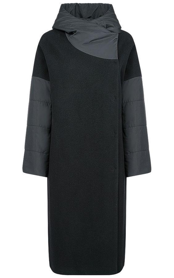 Шерстяное комбинированное пальто с капюшоном классического черного цвета. Утеплитель из холлофайбера делает модель актуальной на протяжении всего осенне-зимнего сезона. Объёмный капюшон и практичная длина - безупречная защита от капризов погоды. Нейтральный цвет идеально подойдёт для создания безупречно-элегантных образов в разных стилях на каждый день