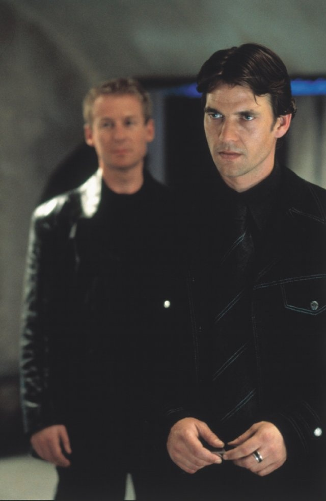 """Still of Richard Roxburgh and Dougray Scott in """"Mission: Impossible II"""", 2000"""