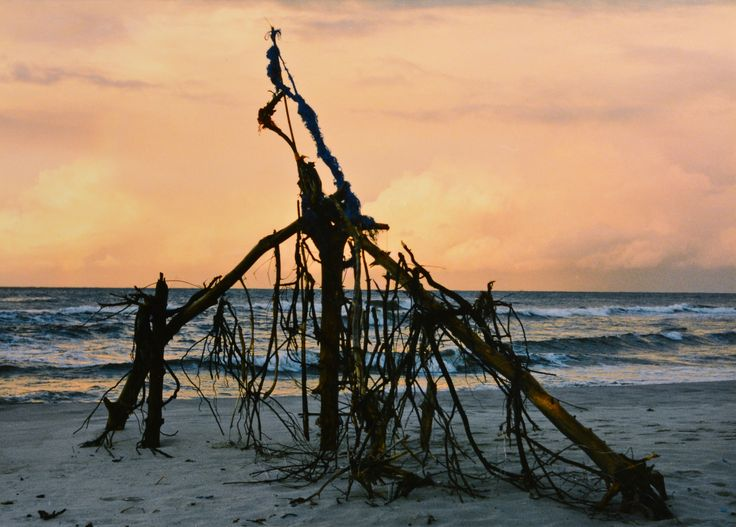 "Yury Ermolenko, ""BLACK DRAGON II"" (Land art project ""Baltic - Hel""), 2003, Hel Peninsula, Baltic Sea, Poland #YuryErmolenko #юрийермоленко #ЮрийЕрмоленко #yuryermolenko #юрiйєрмоленко #ЮрiйЄрмоленко #юрийермоленкохудожник #landart #balticsea #sea #sky #amazing #RapanStudio #photo #photography #metaphysics #metaphysical #philosophy #installation #лэндарт #инсталляция #art #contemporaryart #modernart #magic #texture #лэндарт #poland #hel #helpeninsula #artproject #искусство #creative"