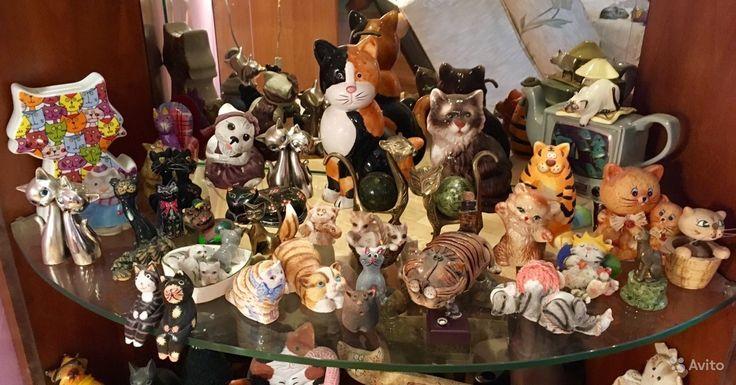 Витрина зеркальная с подсветкой + коллекция котов — фотография №4