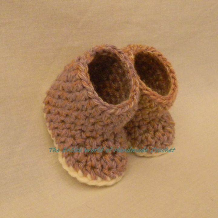 12€. Handmade Crochet Baby Girl's Booties. Ready to ship. The Entire World of Handmade Crochet.