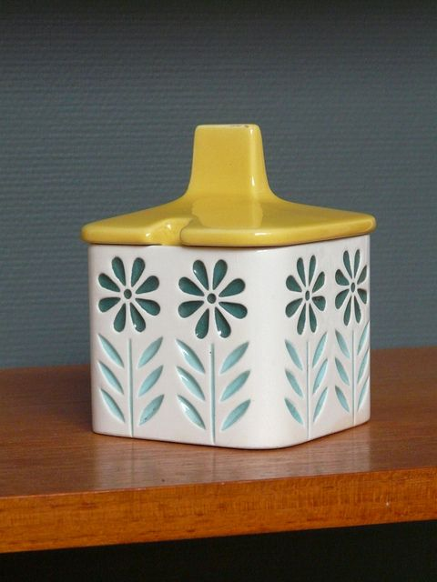 Hornsea Springtime jam pot. I collect this vintage Hornsea Pottery from the fab fifties!