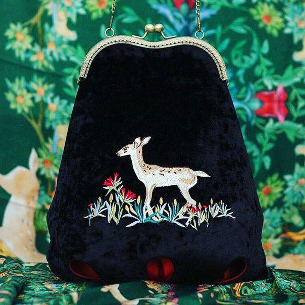 Чёрная сумка с вышивкой для Ксении Князевой