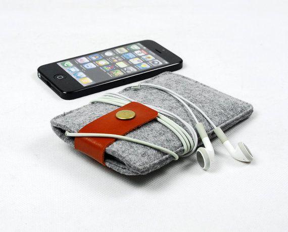 Custom-made felt iPhone case sleeve