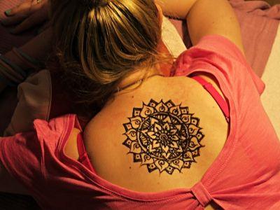 Henna-cialo-3.jpg