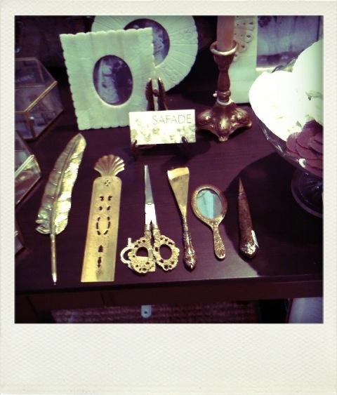 Safade Trinkets treasures brass scissors