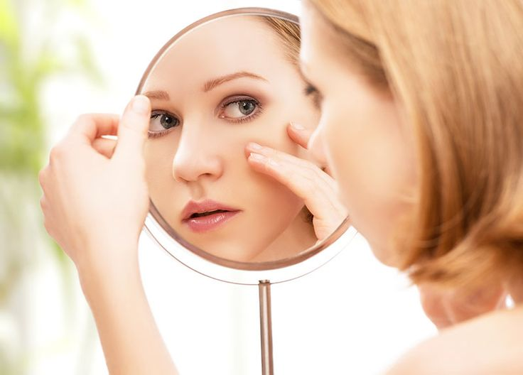 Oily skin can make your face look all greasy, messy and shiny. It can even cause acne breakouts. Therefore, if you have oily skin you must take extra-special care. But first, you have to know if you have oily skin. Here's a primer: